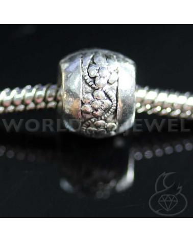 Orecchini Di Perle Di Maiorca Con Monachelle Di Argento 925 E Centrale Di Ottone Con Strass